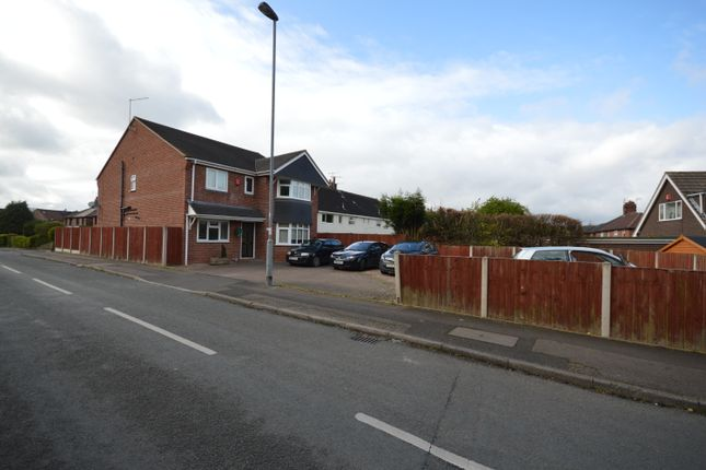 Thumbnail Shared accommodation to rent in Park Road, Silverdale