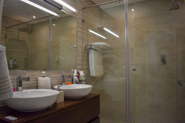 Bathroom of Avenida Tivoli, Edificio Europa, Vilamoura, Loulé, Central Algarve, Portugal