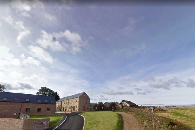 Thumbnail Barn conversion to rent in Barwick Road, Garforth, Leeds