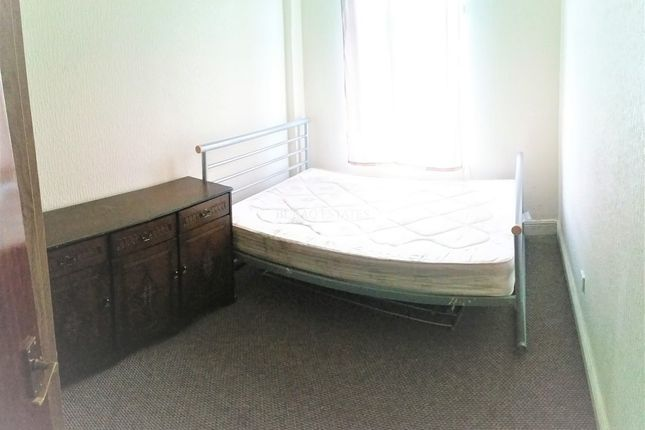 Thumbnail Flat to rent in Ratcliffe Street, Levenshulme, Manchester