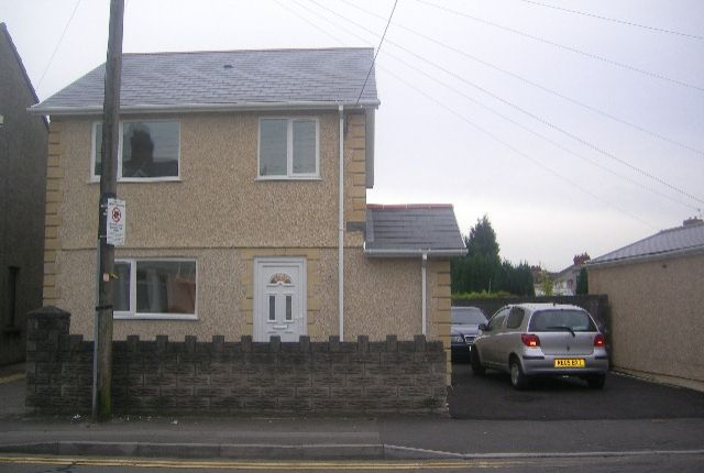 Thumbnail Detached house to rent in Bryn Road, Loughor