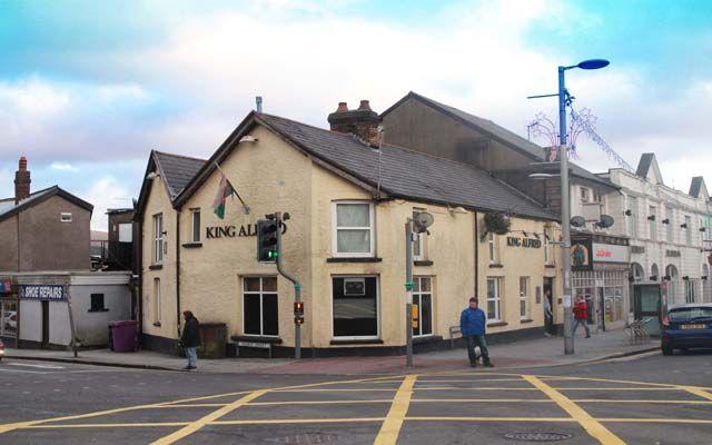 Thumbnail Pub/bar for sale in Mid Glamorgan Town Centre Freehouse CF34, Bridgend