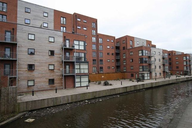 Thumbnail Flat to rent in Chapeltown Street, Manchester
