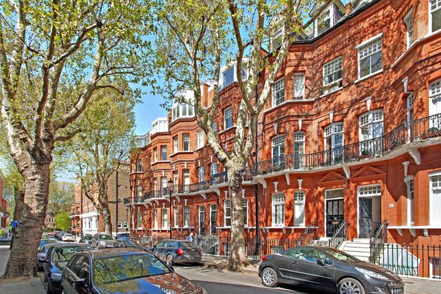 1 bed flat for sale in Tite Street, London