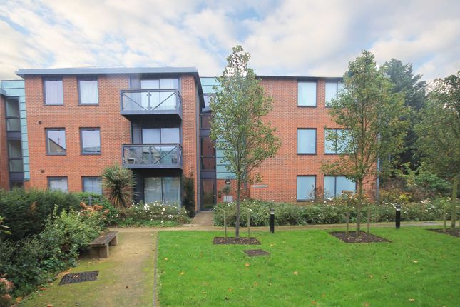 Thumbnail Flat to rent in Isleworth