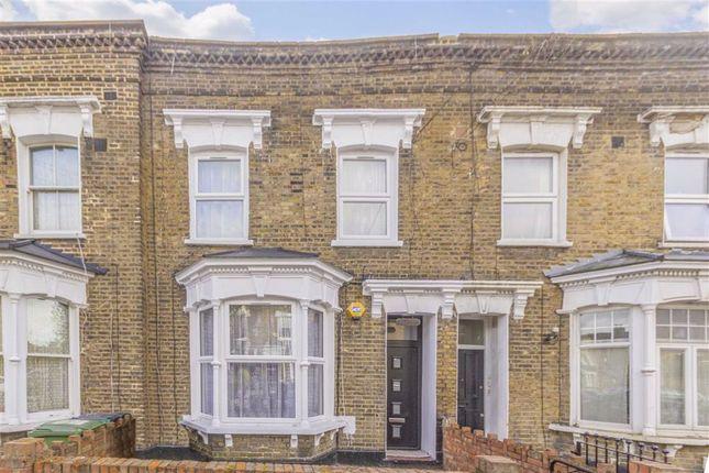3 bed property to rent in Billington Road, London SE14