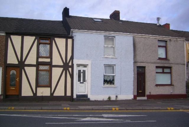 Thumbnail Flat to rent in Neath Road, Morriston