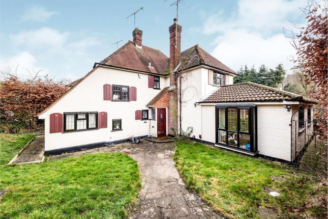 Thumbnail Detached house to rent in Stagbury Avenue, Chipstead, Coulsdon