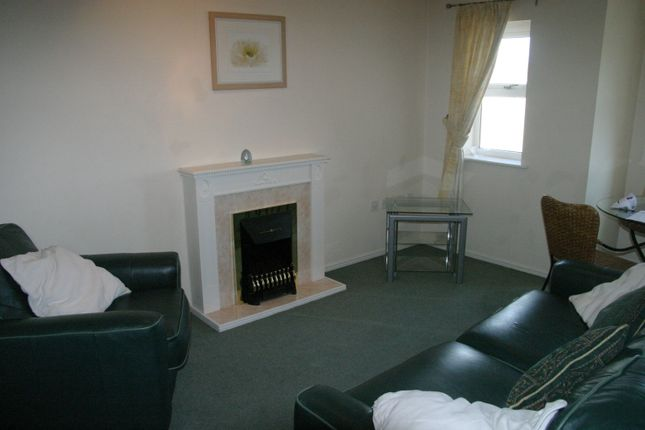 Thumbnail Flat to rent in Staines Road West, Sunbury On Thames