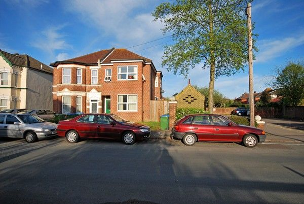 2 bed semi-detached house to rent in Atherley Road, Shirley, Southampton, Hampshire