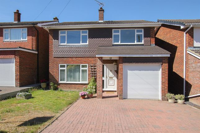 Thumbnail Detached house for sale in Beehive Chase, Hook End, Brentwood