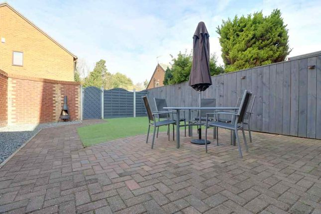 Thumbnail Semi-detached house for sale in Tilia Close, Hull