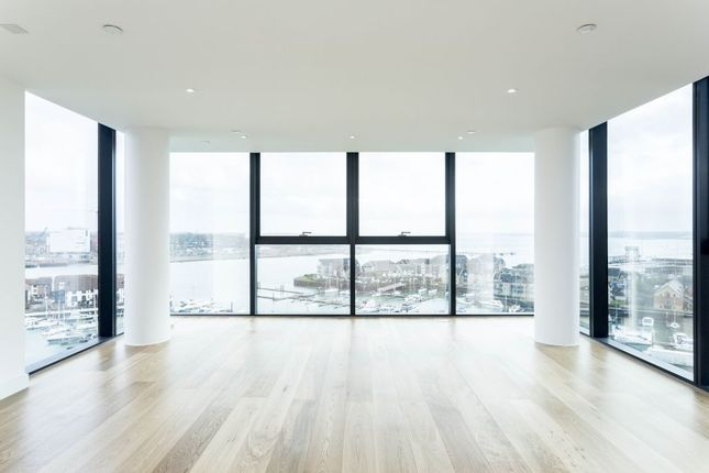 Thumbnail Flat to rent in The Moresby Tower, Ocean Village, Southampton