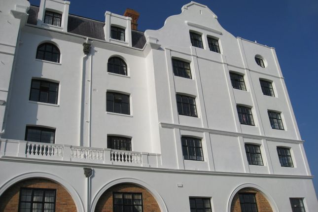 Thumbnail Maisonette to rent in Dolphin Lodge, Grand Avenue, Worthing