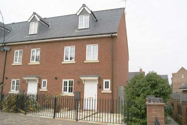 Thumbnail Town house to rent in Stonechat Road, Rugby