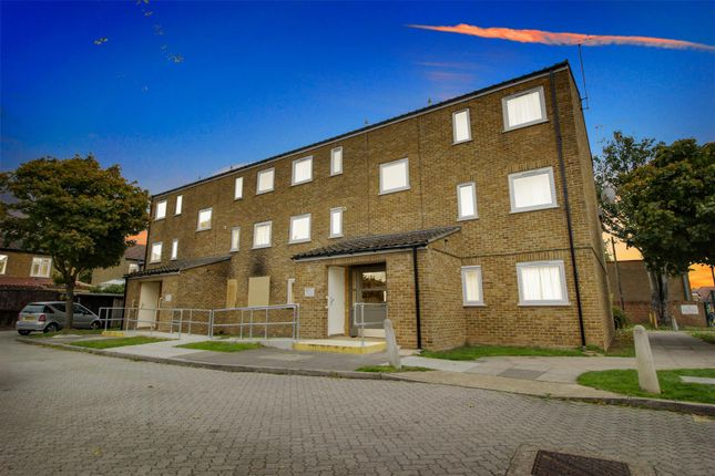 Thumbnail Flat for sale in Halifax Road, Enfield