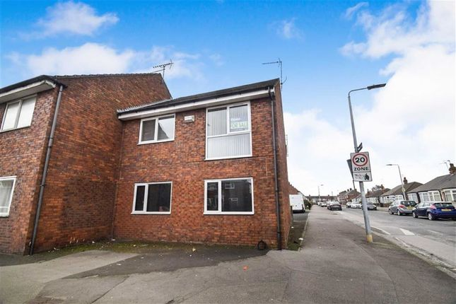 Thumbnail Flat for sale in Southcoates Ave, Hull, East Yorkshire
