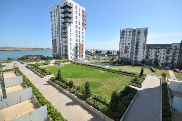 Flat to rent in Peninsula Quay, Gillingham