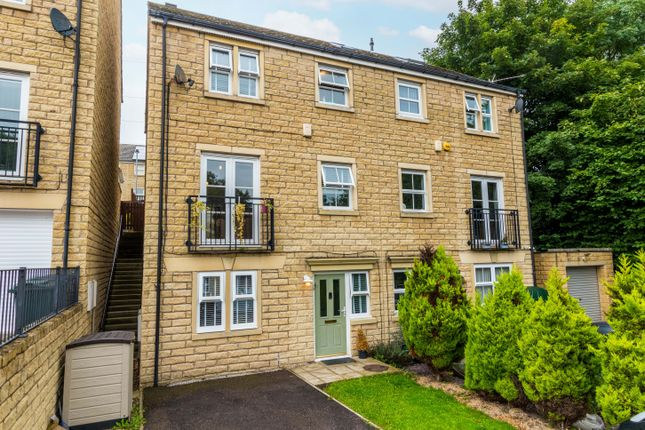 Thumbnail Town house for sale in Wensleydale Way, East Morton, Keighley, West Yorkshire