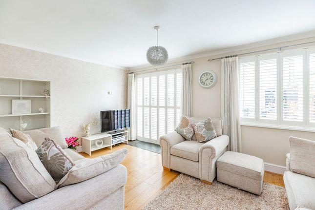 Living Room of Bazes Shaw, New Ash Green, Longfield DA3