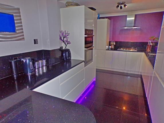 Thumbnail End terrace house for sale in Lee Chapel North, Basildon, Esssex