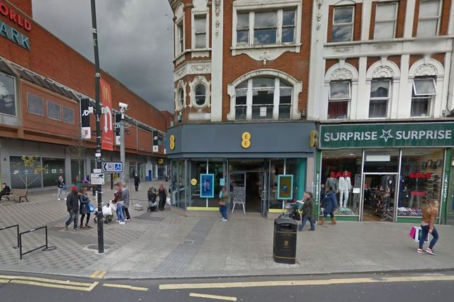 Room to rent in High Road, Woodgreen