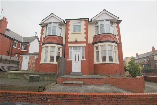 Thumbnail Property to rent in Gloucester Avenue, Blackpool