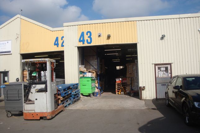 Thumbnail Warehouse to let in Hallmark Trading Estate, Fourth Way, Wembley