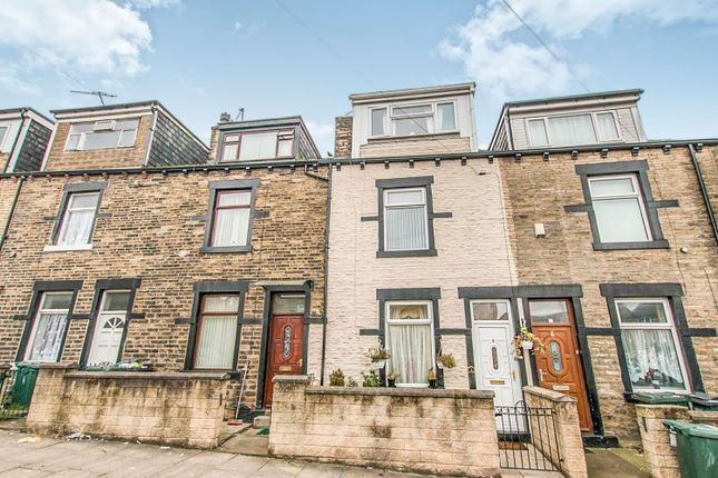4 bed terraced house for sale in Binnie Street, Bradford