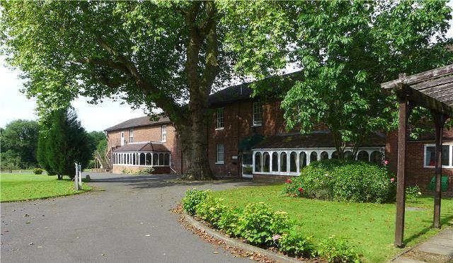 Thumbnail Flat to rent in Lakeside Gardens, Chapel Road, Ashford, Kent