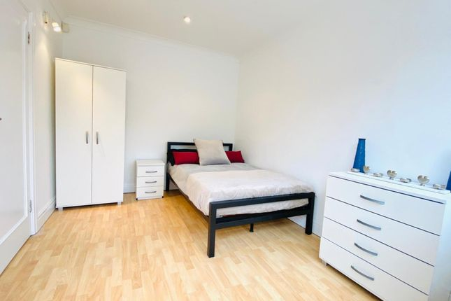 Thumbnail Shared accommodation to rent in Ashbourne Road, London