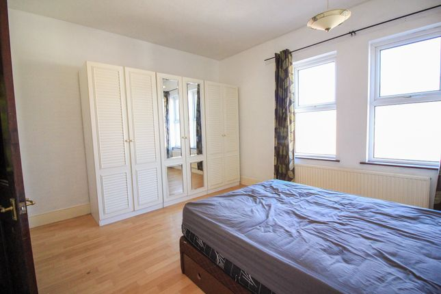 Master Bedroom of Earlesmere Avenue, Balby, Doncaster DN4