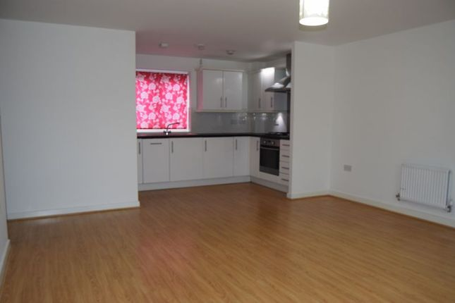 Thumbnail Flat to rent in Dodd Road, Watford