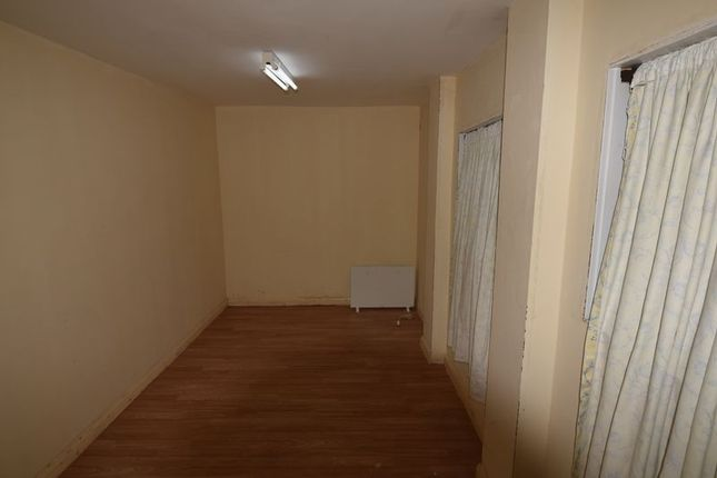 Thumbnail Parking/garage to rent in Shakespeare Crescent, London
