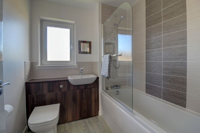 Family Bathroom of Granary Wynd, Monikie, Dundee DD5
