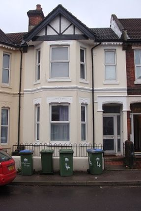Thumbnail Terraced house to rent in Shakespeare Avenue, Southampton