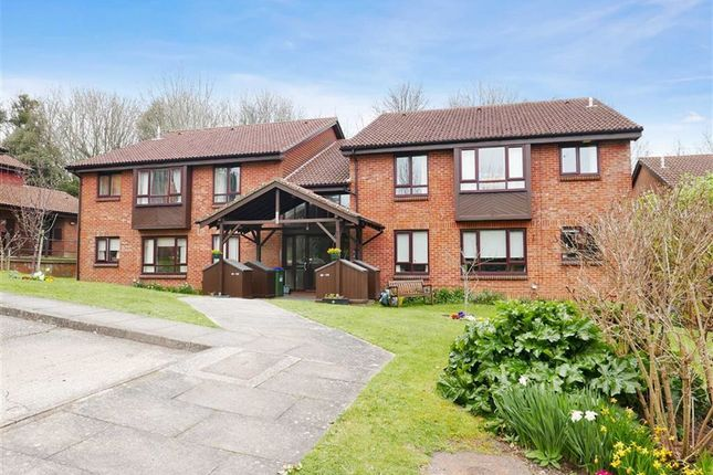 Thumbnail Flat for sale in Warren Drive, Lewes, East Sussex