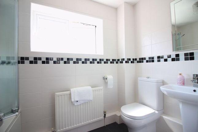 Family Bathroom of Jocelyns, Old Harlow CM17