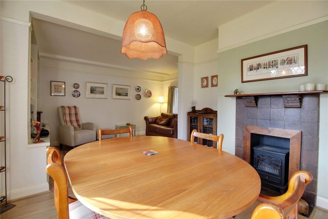 Dining Room Photo 1