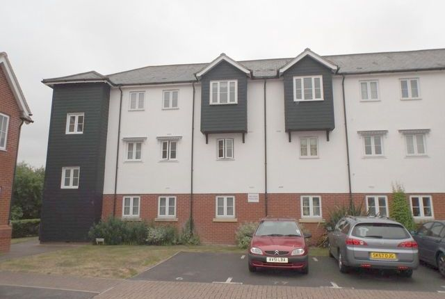 Thumbnail Flat to rent in Head Street, Rowhedge, Colchester, Essex