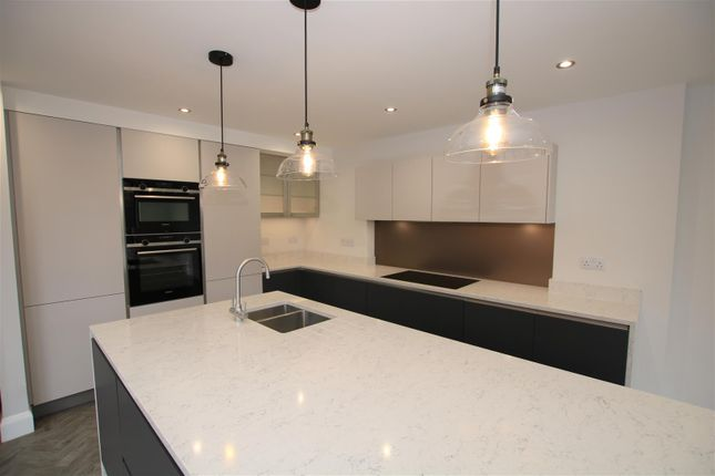Kitchen Area of High Street, Bassingham, Lincoln LN5