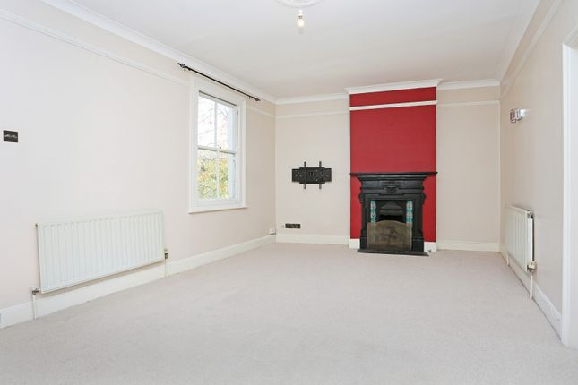 Thumbnail Property to rent in Thames Road, Chiswick