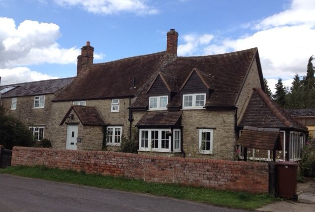 Thumbnail Semi-detached house to rent in Oxford Road, Wendlebury, Near Bicester