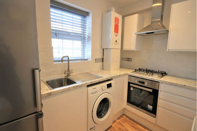 Studio to rent in High Road, Chadwell Heath, Essex RM6