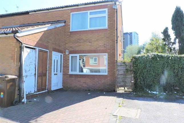 Flat to rent in Totland Close, Longsight, Manchester