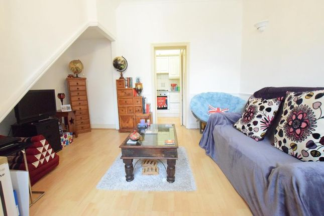 Thumbnail Terraced house to rent in Grosvenor Park, London