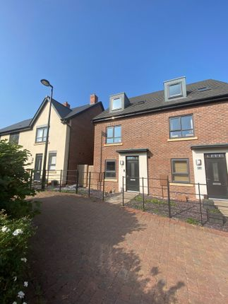 Room to rent in Duddell Street, Lawley Village, Telford TF4