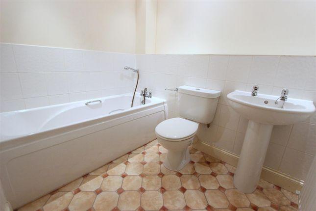 Bathroom of Trinity Road, Darlington DL3