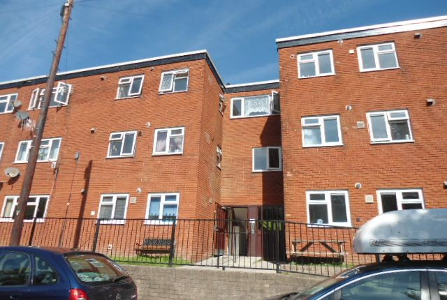 Thumbnail Flat to rent in Albion Road, Pontypool