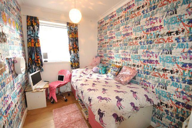 Picture No. 11 of Holtdale Avenue, Holt Park, Leeds, West Yorkshire LS16